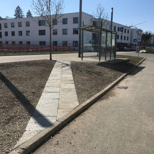 k-Nägelesgraben_Naturnahdran_Weg-zur-Bushaltestelle