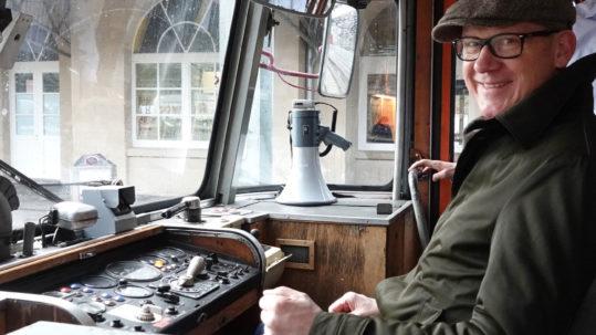 Das Archiv-Bild entstand bei einem Vor-Ort-Termin zur Landesgartenschau im historischen Schienenbus der Eisenbahnfreunde Zollernbahn im Rottweiler Bahnhof